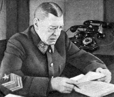 Заместитель Наркома обороны СССР Шапошников Б.М. Рабочий кабинет. 1942 г.